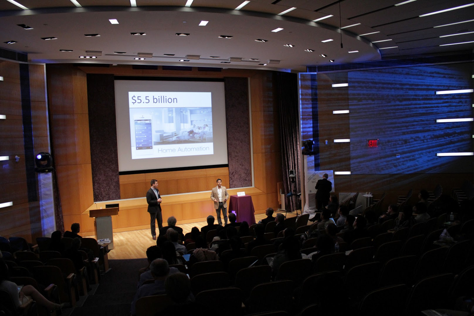 pitching-in-the-finals-of-the-nyu-200k-entrepreneurs-challenge-may-2013