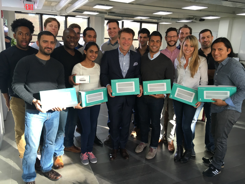 the-keen-home-team-with-robert-herjavec-april-2016